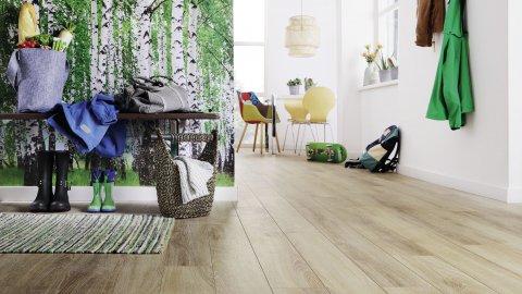 wineo Laminatboden im Zimmer mit Schuhen und Stühlen