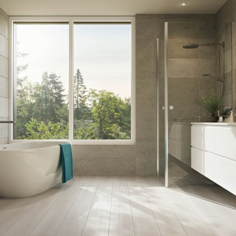 Badezimmer Freistehende Badewanne Duschkabine Laminatboden Smooth Oak White LA164MV4 Laminat Holzoptik