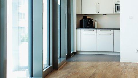 wineo Bodenbelag Küche Holzoptik mittel