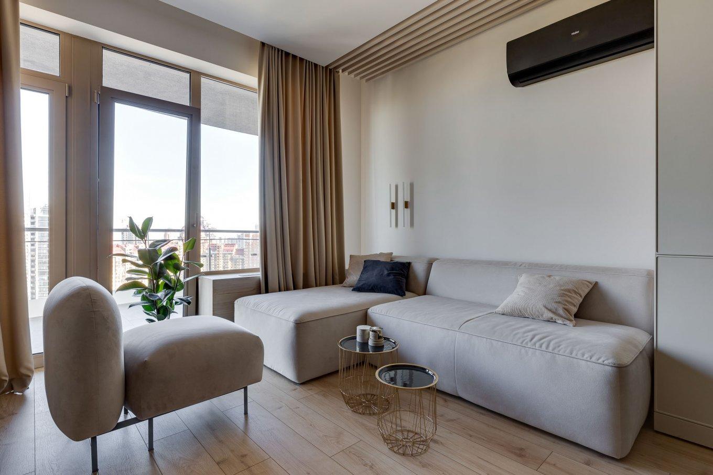 Laminatboden Hotel California LA144SYSV4 im Wohnzimmer Holzoptik hell Sofa moderne Einrichtung