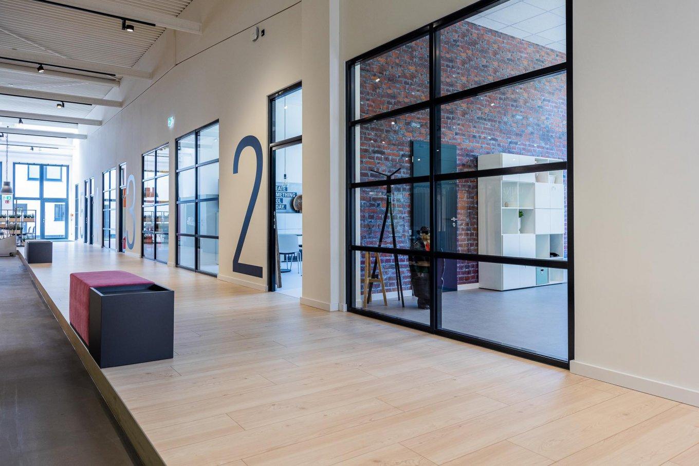 wineo PURLINE Bioboden Ausstellung Büro moderne Einrichtung Bodenbelag Fußboden