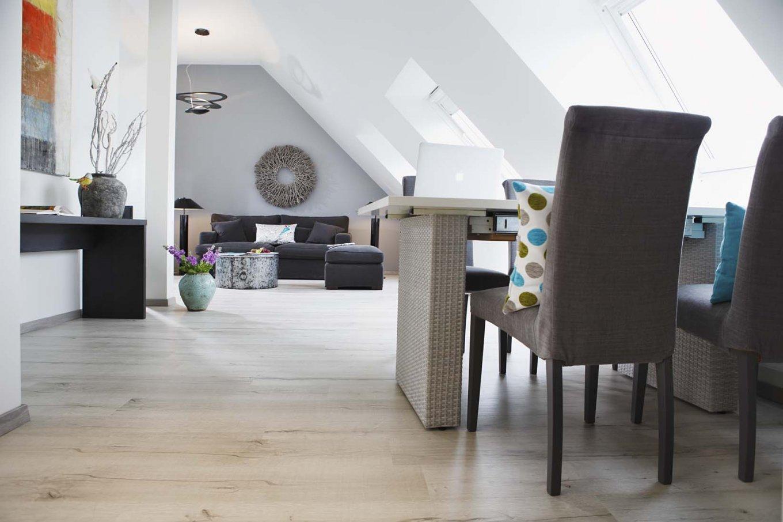 wineo Purline Bioboden hell Holzoptik Wohnbereich gemütlich Hotel