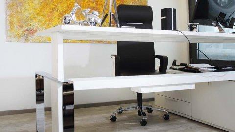 wineo Purline Bioboden grau Büro modern Bild orange
