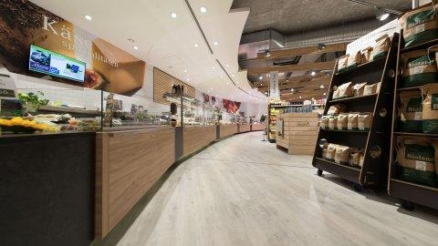 wineo Purline Bioboden Holzoptik Regal Holz Lebensmittel Fleischtheke Biomarkt
